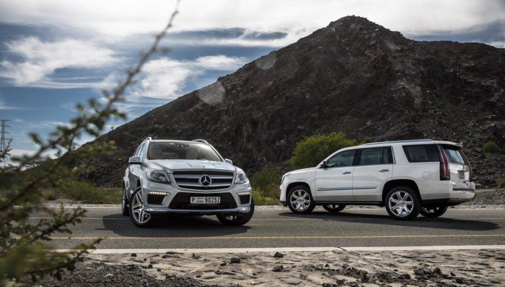 Escalade-Vs-Mercedes-GL-Wallpaper-3.jpg