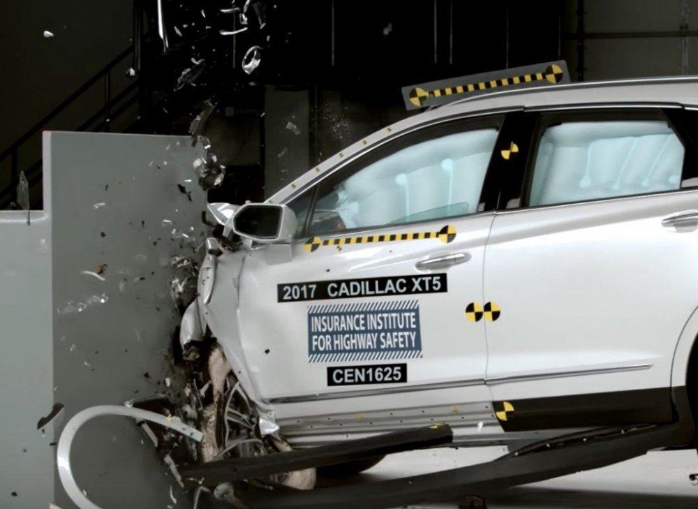 2017-Cadillac-XT5-Crash-Test-1024x746.jpg