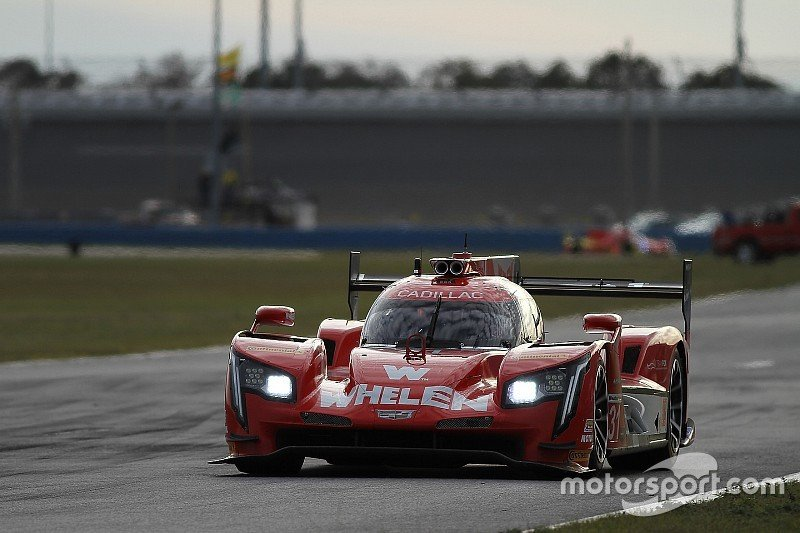 imsa-daytona-january-testing-2018-31-action-express-racing-cadillac-dpi-eric-curran-mike-c-7176161.jpg