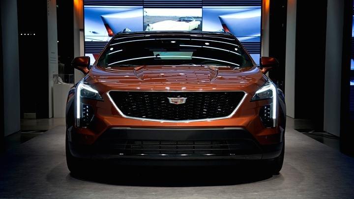 105093374-2019-Cadillac-XT4-021.720x405.jpg