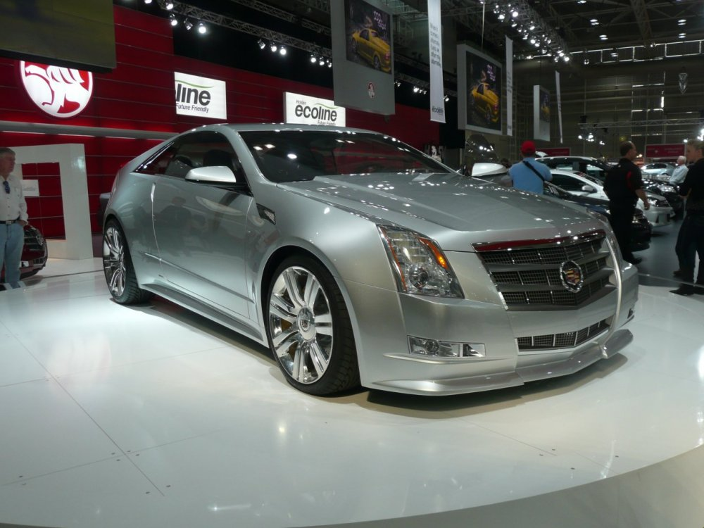 2008_Cadillac_CTS_coupe_(concept)_01.jpg