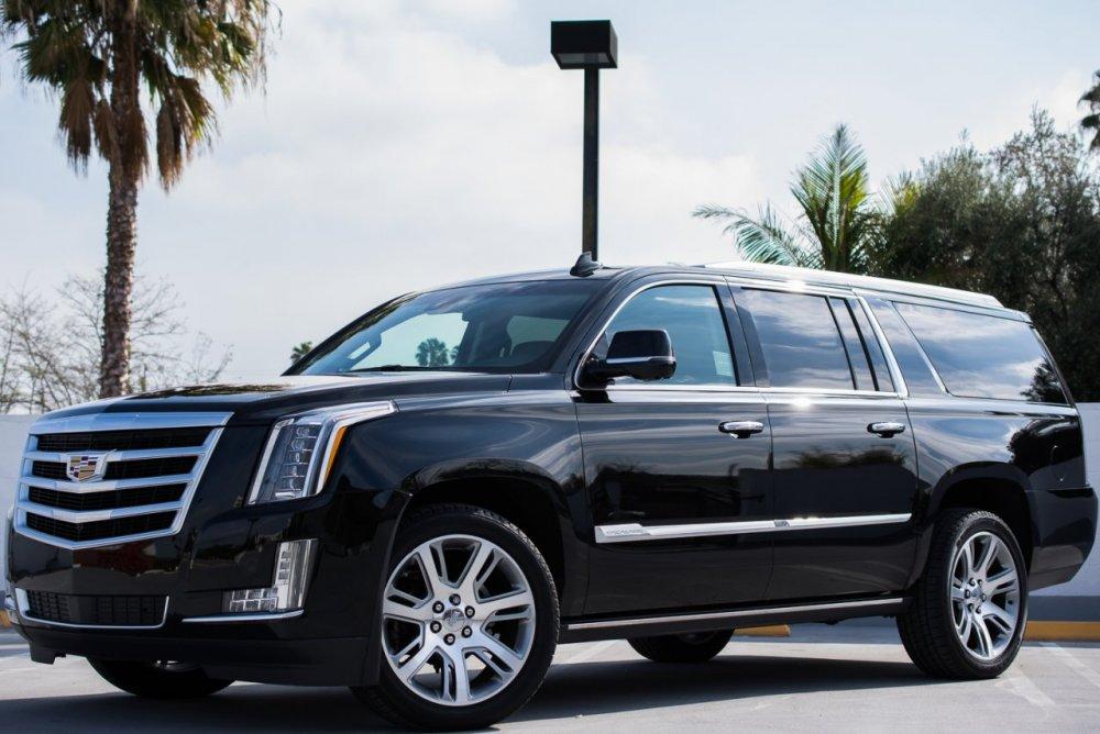 2015 Cadillac Escalade ESV-7720.jpg