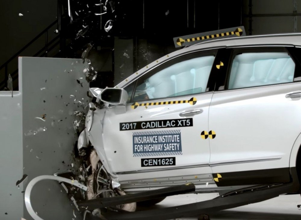 2017-Cadillac-XT5-Crash-Test-1024x746.jpg
