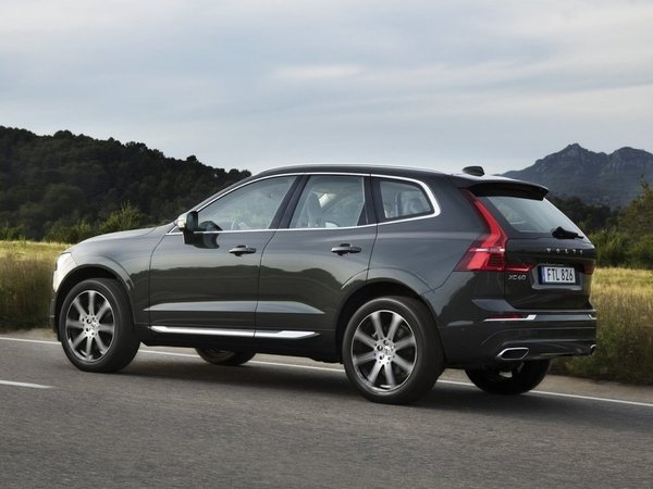 Volvo-XC60-2018-1280-4c.jpg