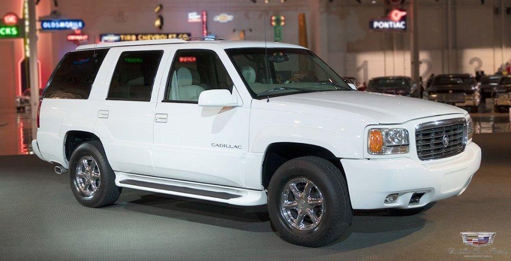 1999_Cadillac_Escalade01.thumb.jpg.a23834621dfb1aa50e9940b4ca102522.jpg
